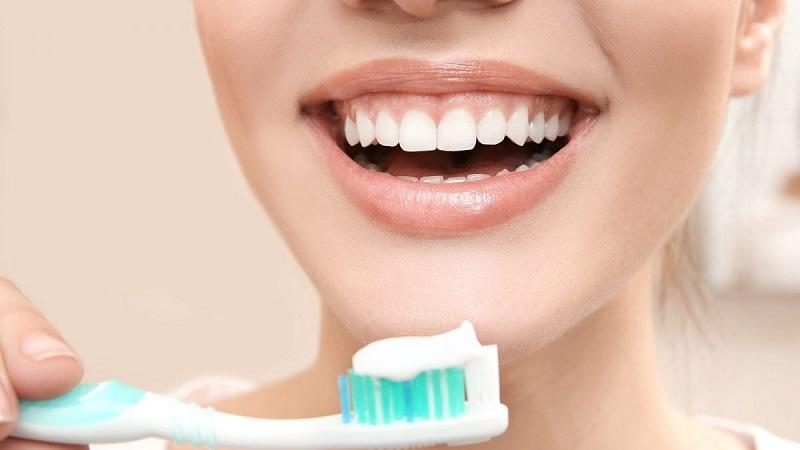 بهترین دندانپزشک اصفهان | مراقبت بهداشت دهان و دندان قوی