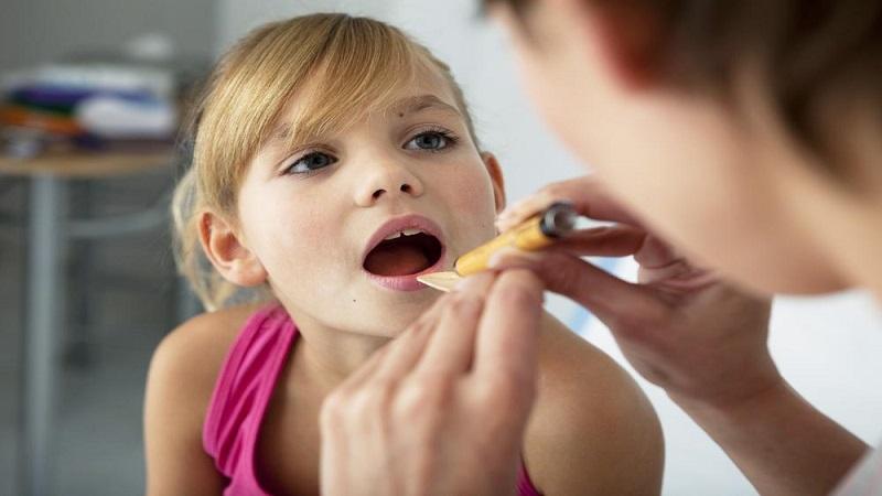 علائم آبسه دندان در کودکان | بهترین ایمپلنت اصفهان