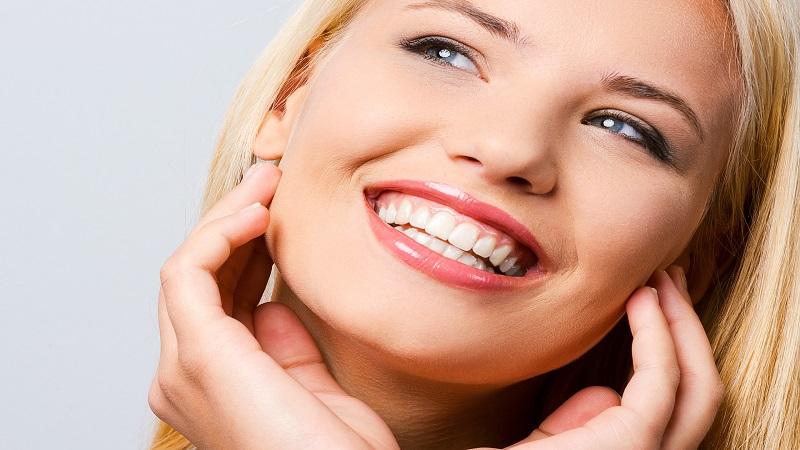محصولات سفید کننده دندان | بهترین دندانپزشک زیبایی اصفهان